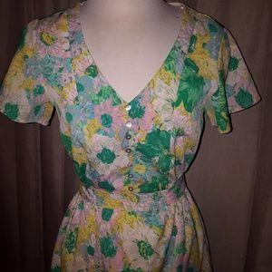 Forever 21 Dresses - 🖤 Vintage floral dress 🖤